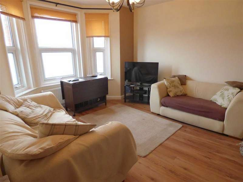 2 Bedrooms Flat for sale in Alma Road, Charminster, Bournemouth, Dorset