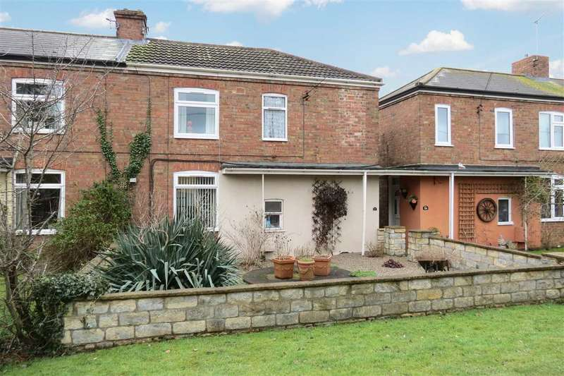 3 Bedrooms Semi Detached House for sale in Rectory Road, Ruskington