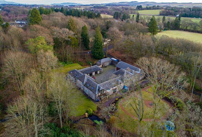5 Bedrooms Detached House for sale in The Old Coach House, Lendrick Muir