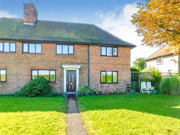 3 Bedrooms Semi Detached House for sale in Retford Road, Woodbeck, Retford, Nottinghamshire