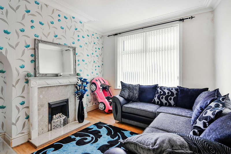 2 Bedrooms Terraced House for rent in Albert Road, Halifax, HX2
