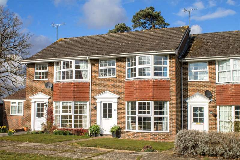3 Bedrooms Terraced House for sale in The Welkin, Lindfield
