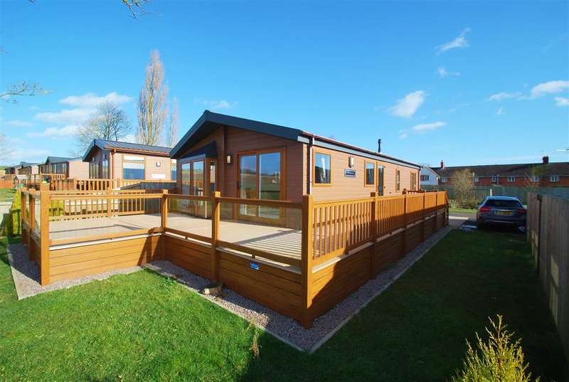2 Bedrooms Bungalow for sale in The Royal Views, Hagnaby Road, Old Bolingbroke, Boston