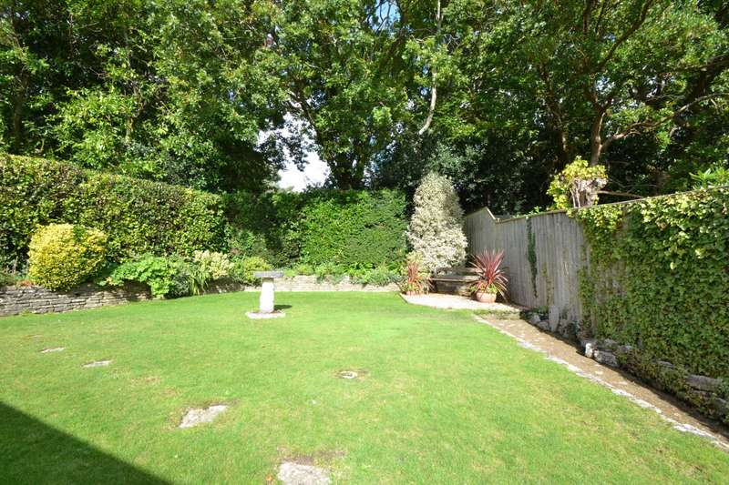 3 Bedrooms Detached House for sale in Canford Cliffs