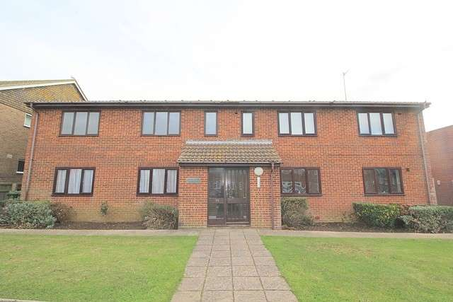 1 Bedroom Apartment Flat for rent in Cavell Court, Cavell Avenue, BN10