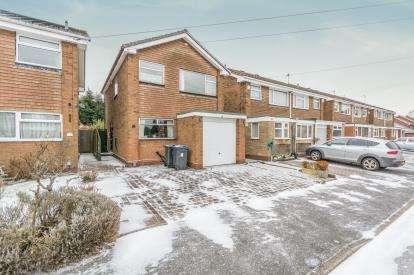 3 Bedrooms Detached House for sale in Green Acres, Acocks Green, Birmingham, West Midlands