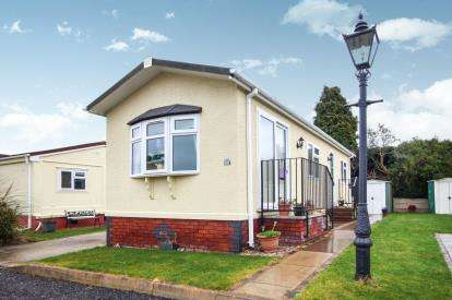 1 Bedroom Bungalow for sale in Western Park, Sandbach, Cheshire