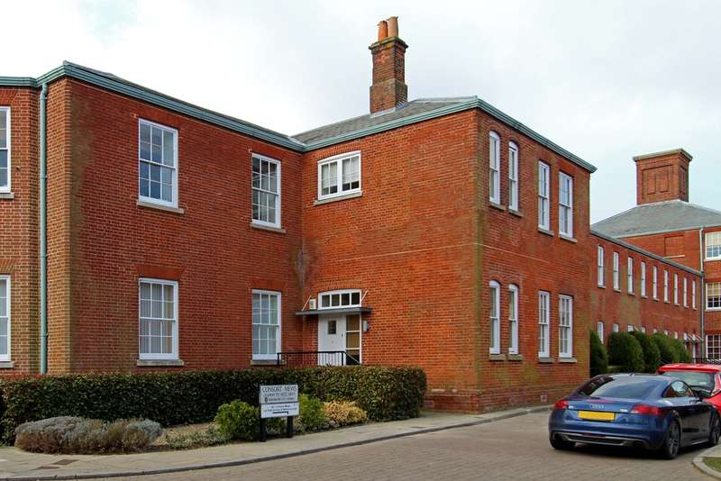 2 Bedrooms Mews House for sale in Consort Mews, Knowle