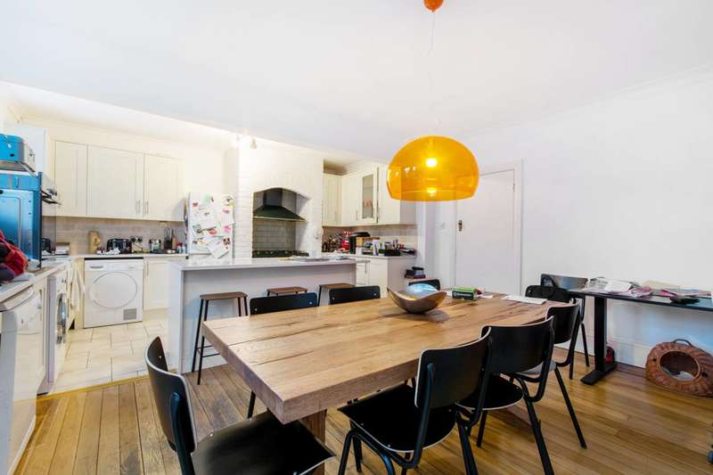 5 Bedrooms House for rent in Drewstead Road, Streatham Hill, SW16