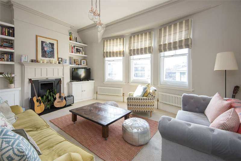 3 Bedrooms Flat for sale in Royal London House, 222 Mare Street, London, E8