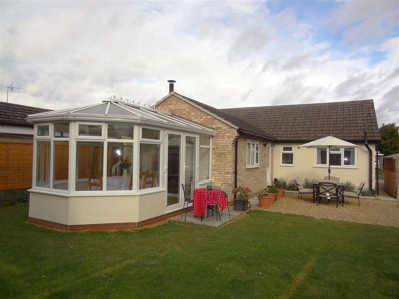 3 Bedrooms Property for sale in Churchill Way, Heckington