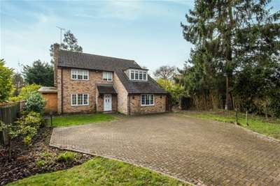 4 Bedrooms House for rent in Guildford Road, Normandy