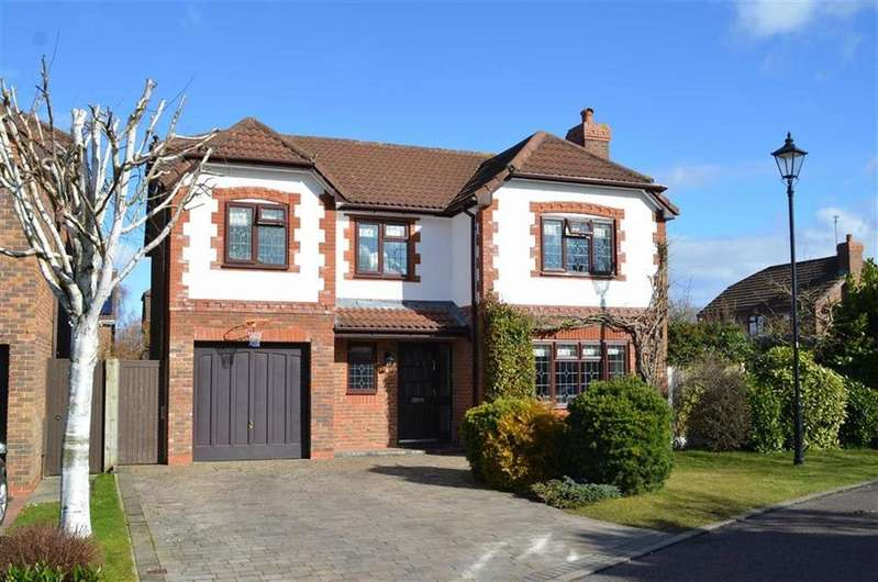 4 Bedrooms Detached House for sale in Cambrian Close, Little Sutton, CH66