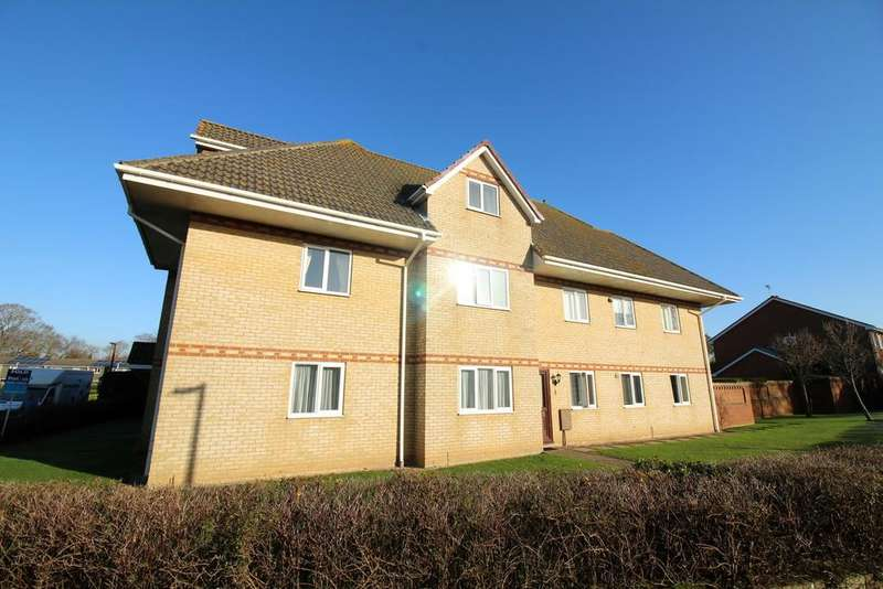 2 Bedrooms Flat for sale in Lulworth Close, Hamworthy