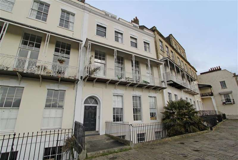 1 Bedroom Flat for sale in Royal York Crescent, Clifton, Bristol
