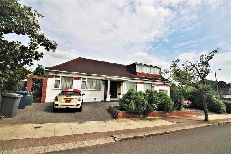 3 Bedrooms Detached Bungalow for sale in Highview Avenue, Edgware