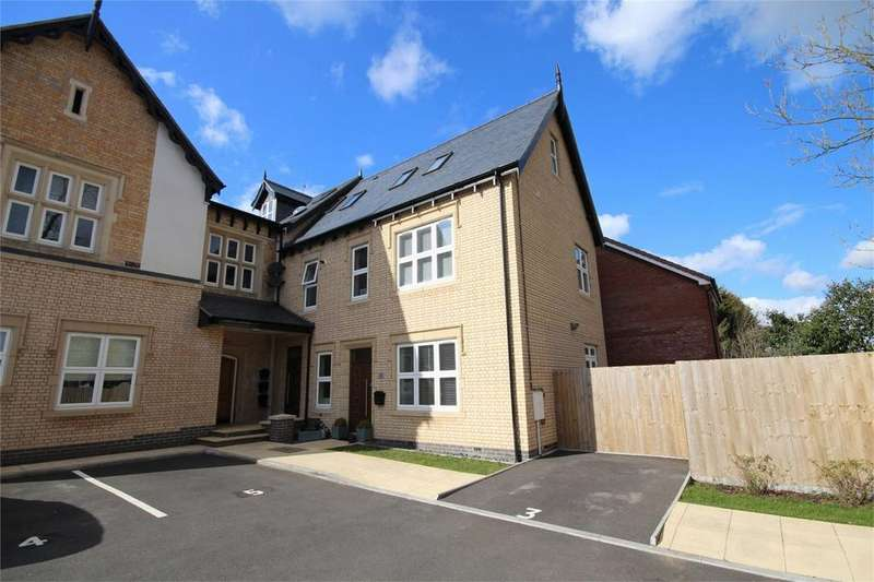 2 Bedrooms Flat for sale in Grove Lodge, Lionel Close, Weddington, NUNEATON, Warwickshire