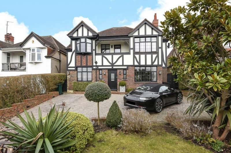 4 Bedrooms Detached House for sale in Goldstone Crescent Hove East Sussex BN3