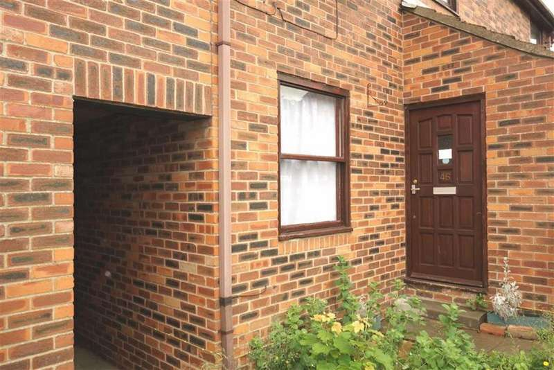 2 Bedrooms Apartment Flat for rent in Nursery Grove, Bridlington, East Yorkshire