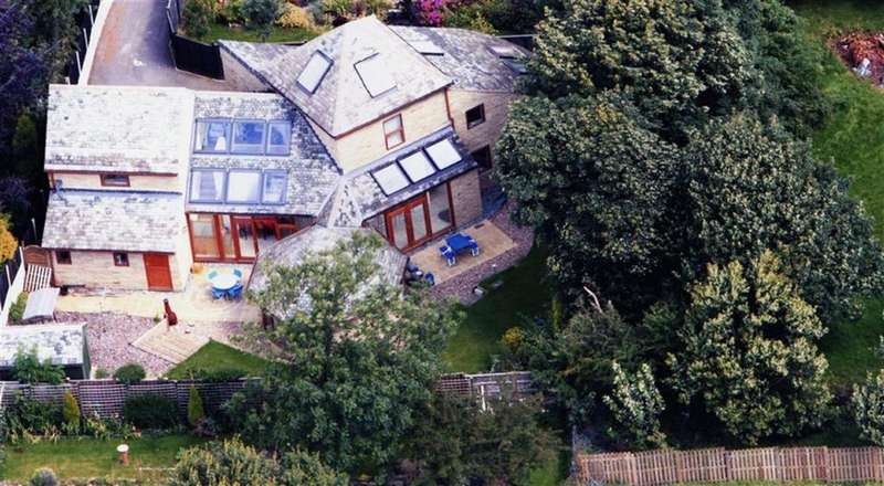 5 Bedrooms Detached House for sale in Staincross Common, Staincross, Barnsley, S75