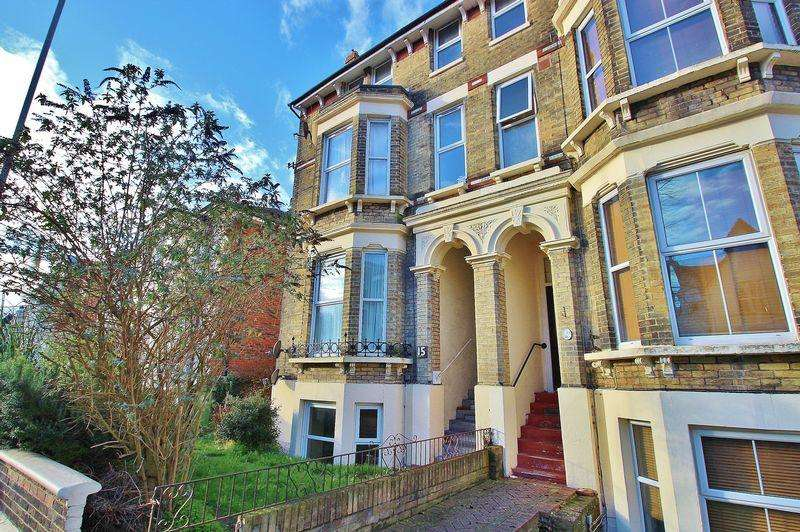 1 Bedroom Apartment Flat for sale in Victoria Road North, Southsea