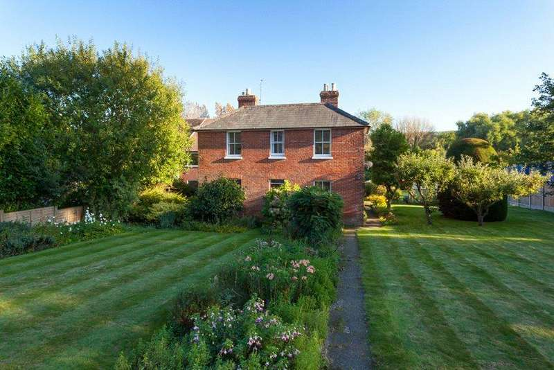 4 Bedrooms Detached House for sale in Canterbury Road, Chilham, Canterbury, Kent, CT4