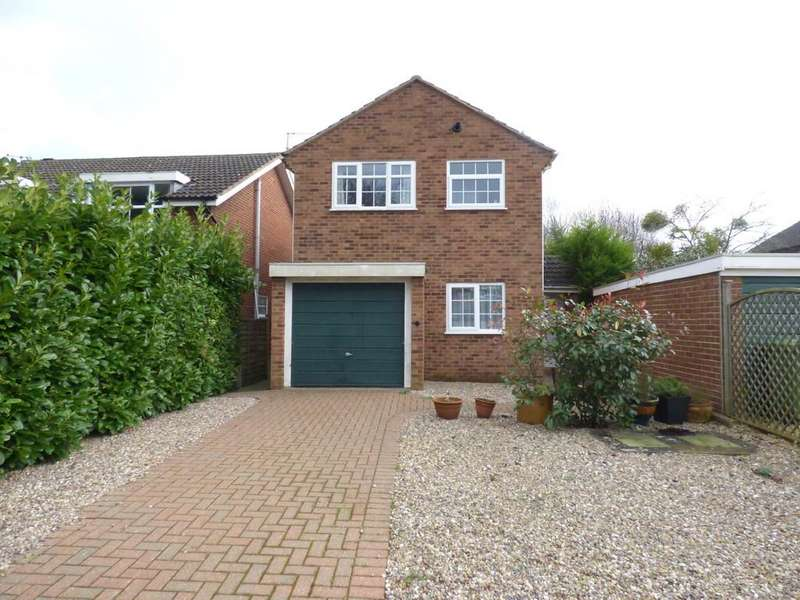 3 Bedrooms Detached House for sale in Saxon Close, Stratford-Upon-Avon