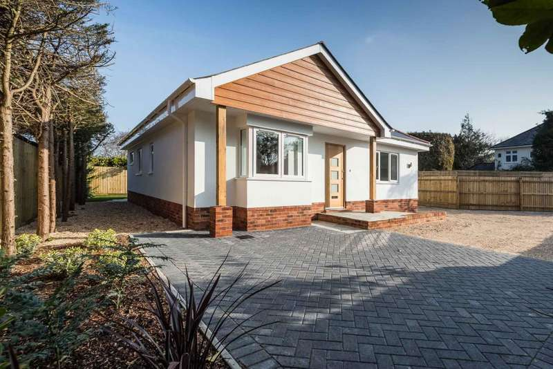 3 Bedrooms Detached Bungalow for sale in New Road, Northbourne