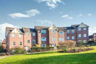 2 Bedrooms Flat for sale in St. Nera's Court, 6 Parkland Mead, Bromley