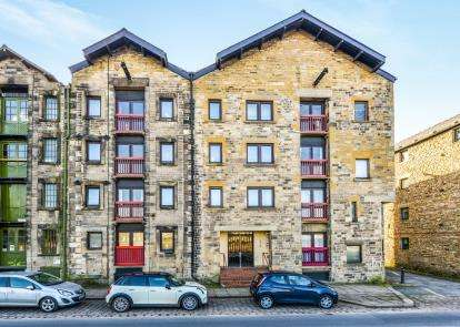 1 Bedroom Flat for sale in Bruntons Warehouse, St. Georges Quay, Lancaster, Lancashire, LA1