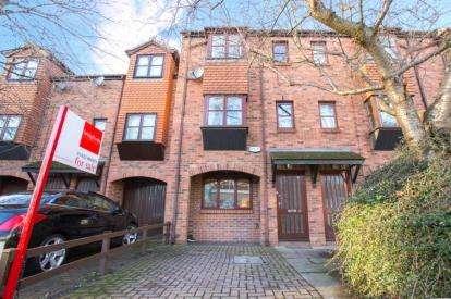3 Bedrooms Terraced House for sale in Jockey Lane, Knaresborough, .