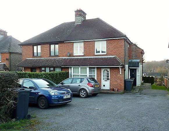 1 Bedroom Flat for sale in Homegarth, Hailsham Road, Heathfield, East Sussex, TN21 8AS