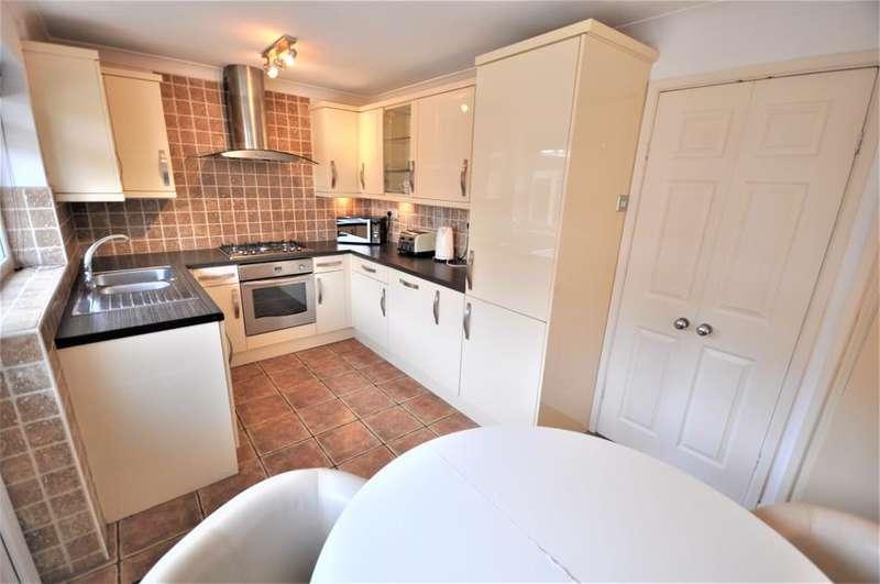 3 Bedrooms Semi Detached House for sale in Layton Road, Ashton, Preston, Lancashire, PR2 1PU