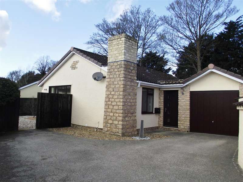 3 Bedrooms Bungalow for sale in Yew Tree Close, Calne