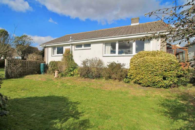 3 Bedrooms Detached Bungalow for sale in Green Park Way, Chillington