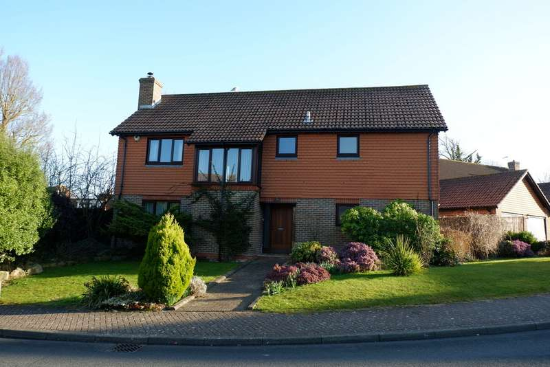 4 Bedrooms Detached House for rent in Saffrons Park, Eastbourne BN20