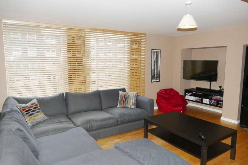 2 Bedrooms Apartment Flat for sale in SAXTON, THE AVENUE, LEEDS, LS9 8FY