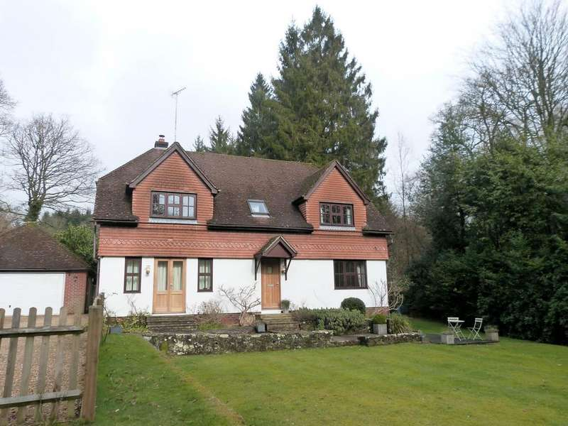 4 Bedrooms Detached House for rent in Sandy Lane, Haslemere