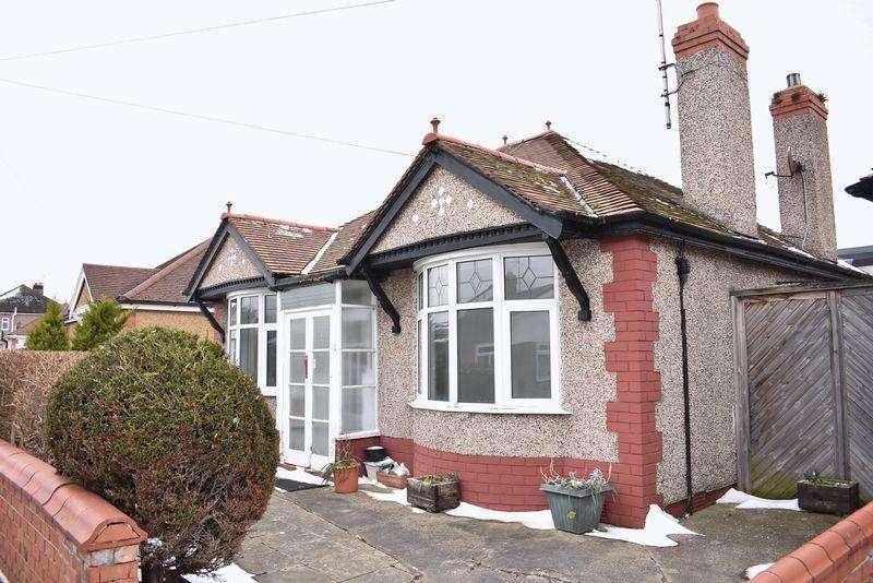 3 Bedrooms Detached Bungalow for sale in Bryn Avenue, Rhyl