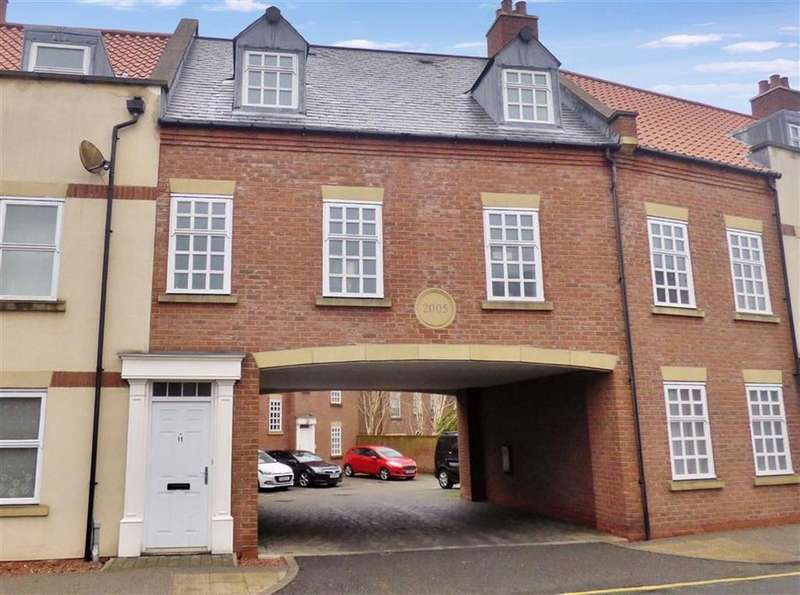 3 Bedrooms Flat for sale in Minster Wharf, Beverley