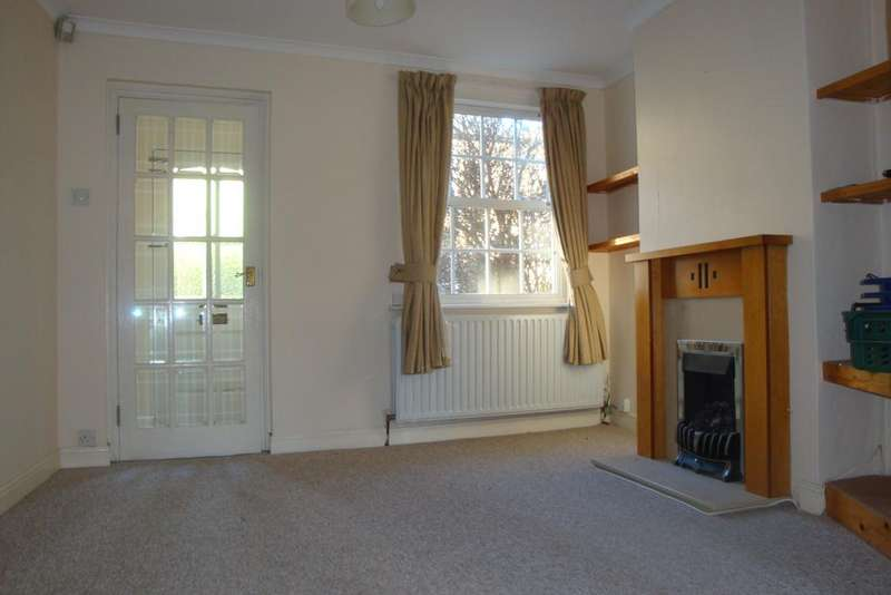 2 Bedrooms Cottage House for rent in Gilpin Road, Ware, Herts SG12