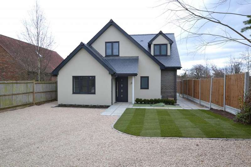 4 Bedrooms Detached House for sale in The Rising, Billericay, Essex, CM11