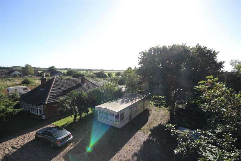 4 Bedrooms Detached Bungalow for sale in Alford Road, Mablethorpe