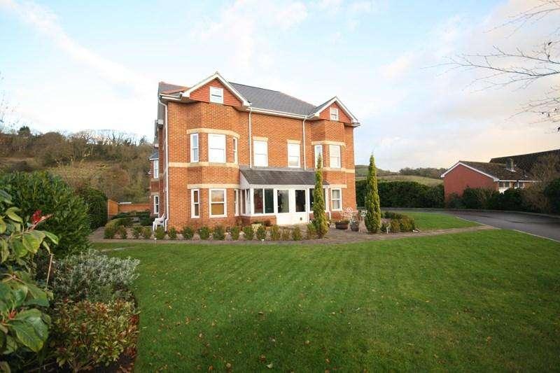 3 Bedrooms Town House for rent in Brent Street, Brent Knoll, Highbridge
