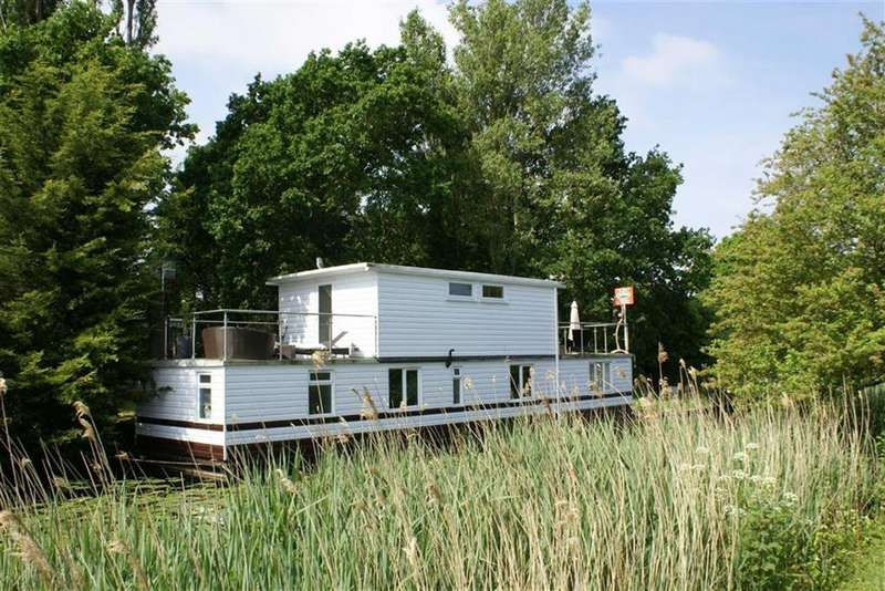 2 Bedrooms House for sale in Chichester Marina, West Sussex