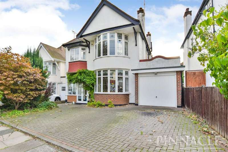 4 Bedrooms Detached House for sale in Hillway, Westcliff-on-Sea, Essex, SS0