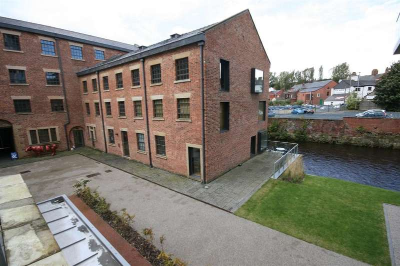 2 Bedrooms Flat for sale in Castle Street, Stalybridge, SK15