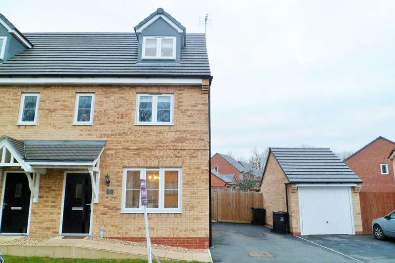 3 Bedrooms Semi Detached House for sale in Whitehead Drive, Wrexham, LL11