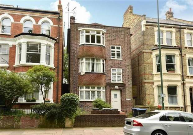 2 Bedrooms Flat for sale in Park Court, 71a Harvist Road, Queens Park, London