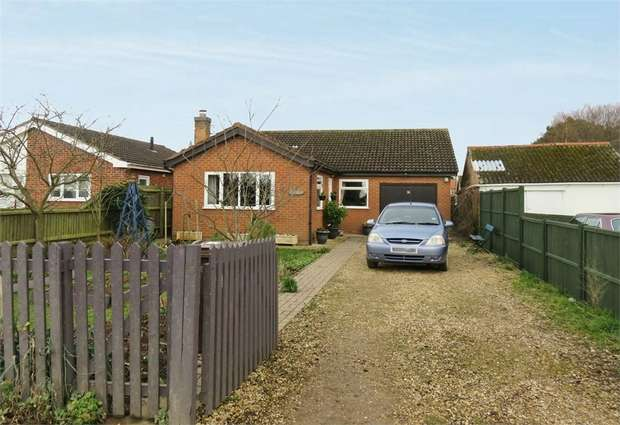 3 Bedrooms Detached Bungalow for sale in Princes Street, Holbeach, Spalding, Lincolnshire